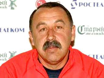 Валерий Газзаев тренер сборной?